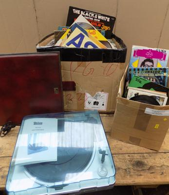 USB turntable + large collection of LPs & singles, mixed