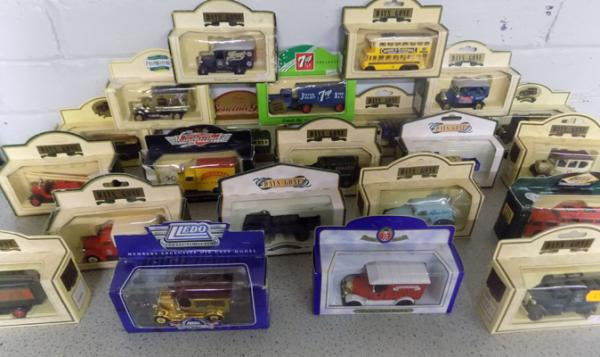 Collection of Days Gone, Lledo etc... boxed diecast
