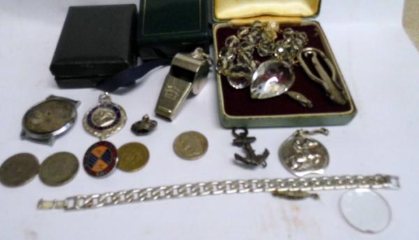 Job lot of vintage & antique costume jewellery, incl. silver