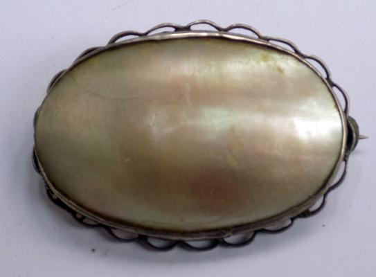 Vintage Mother of Pearl and sterling silver oval brooch
