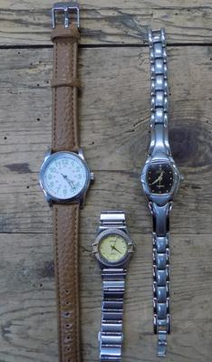 Box with 3x watches incl. 1940s Japanese army watch
