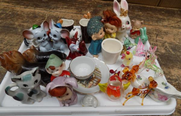 Tray of mixed pottery & glass animals, incl. Hornsea