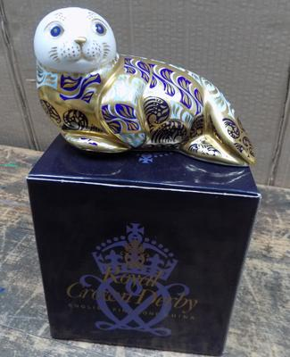 Royal Crown Derby harbour seal Ltd Edition paperweight-gold stopper
