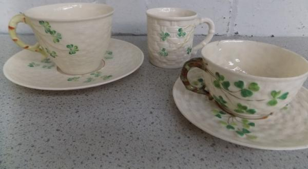 Belleek coffee cup & x 2 cups & saucers - no damage found ( one cup & saucer 1980-1992, one cup & saucer 1891-1926 & one coffee cup 1997-1999)