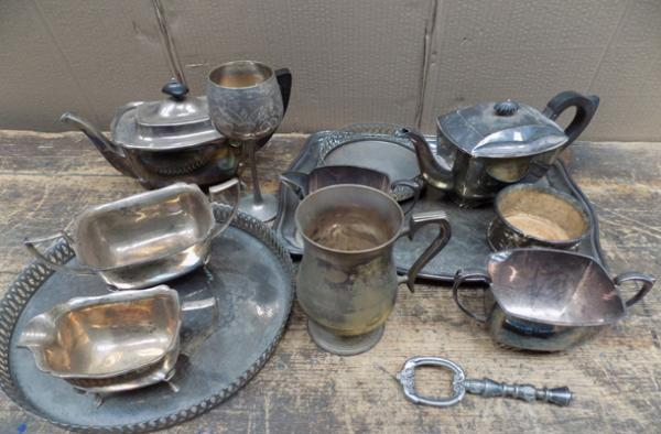 Box of assorted silver plate items