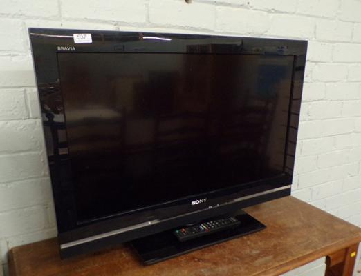 Sony flat screen TV with remote in W/O