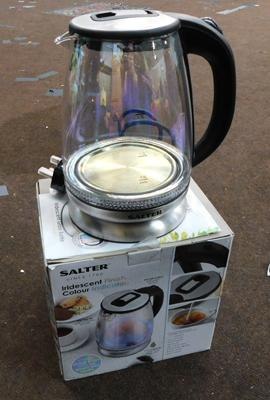 New/ unused Salter electric kettle