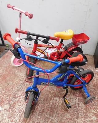 2x Childrens bikes & scooter