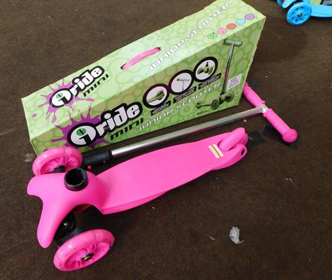 New and boxed o-ride mini junior scooter - pink