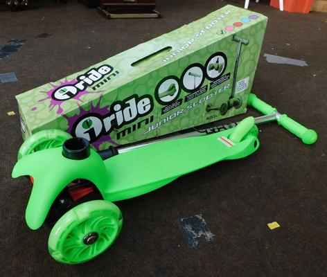 New and boxed o-ride mini junior scooter - green