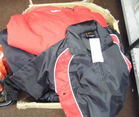 Box of over 40 new, outdoor sports jackets, some embroidered (incl. Adidas/Nike)