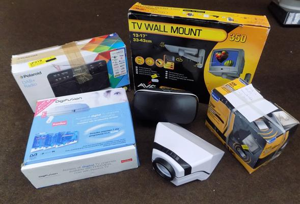 Samsung VR, Digifusion Freeview box, Poaroid DAB radio + TV wall mount of floodlight