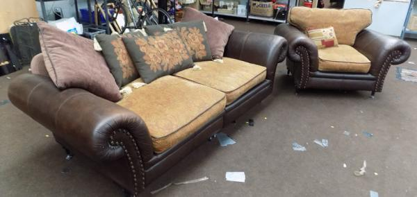 Large leather settee & armchair with stud effect
