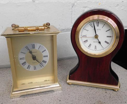 2x Quartz mantle clocks
