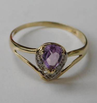 9ct gold diamond & amethyst ring, size O
