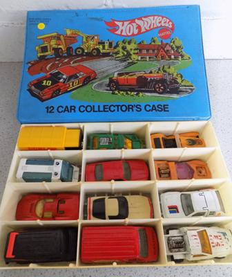 Hotwheels collectors car case with 12 cars
