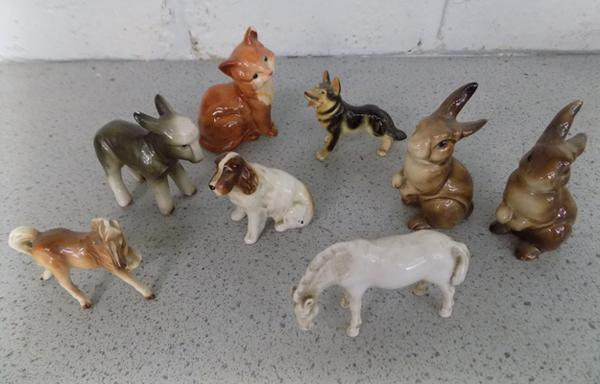 Collection of small ceramics, incl. Beswick cat (slight damage)