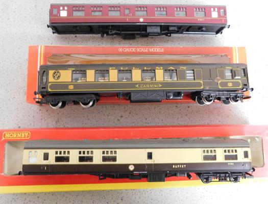 Hornby Railways Pullman coach Break with box and BR buffet coach (front wheels missing) with box & one other