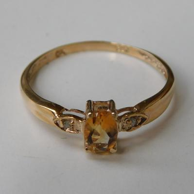 9ct gold citrine & diamond ring, size P