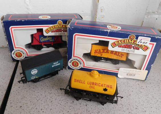 2 x Bachmann salt wagons, boxed + 2 others