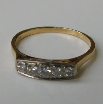 14ct gold platinum & 5 diamond ring, size P 1/2
