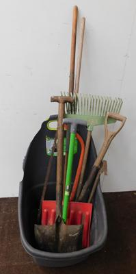 Mixed tools in trolley
