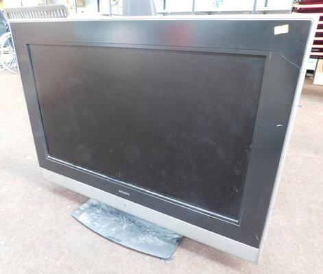 Hitachi flat screen TV w/o (no remote)