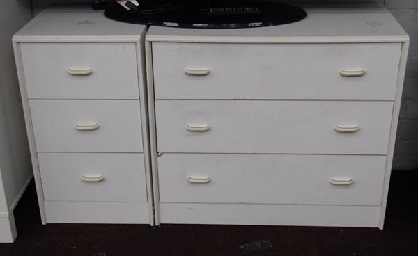2x Sets of bedroom drawers