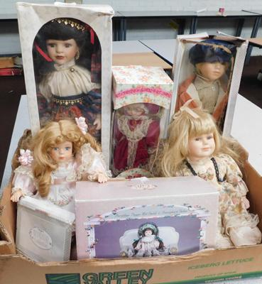 Collection of porcelain dolls (4 boxed)