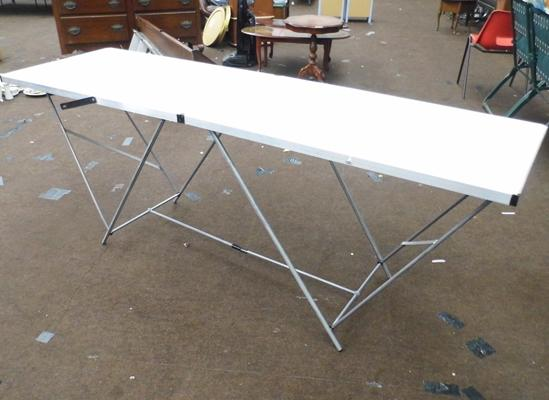 Deluxe metal paste table (ideal for markets/carboots)