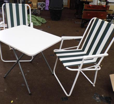 2x Folding garden chairs & table