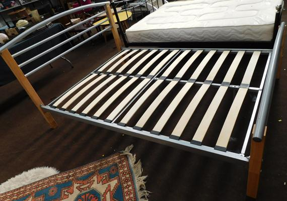 Double bed frame & fittings
