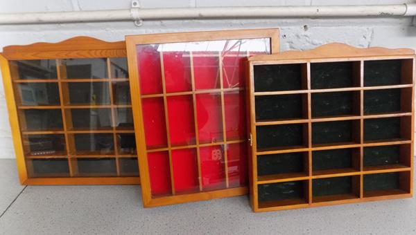 3x Diecast vehicle glass display cases
