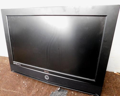 Tevion TV w/o (no remote or power cable)