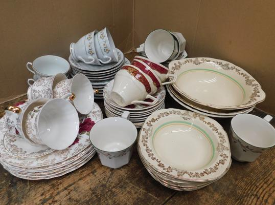 Mix lot of china, including Meakin