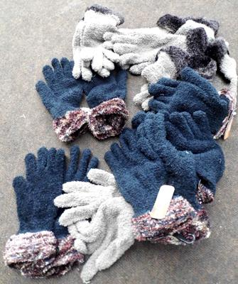 Feather touch polyester ladies warm gloves 10 pairs