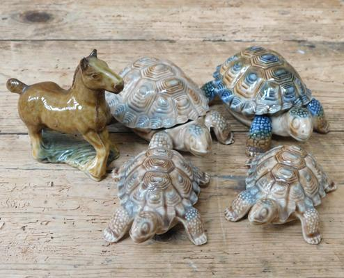 Wade porcelain tortoise family and horse