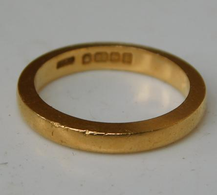 Solid gold 22ct wedding band, full inner hallmarked - 5.7 grams