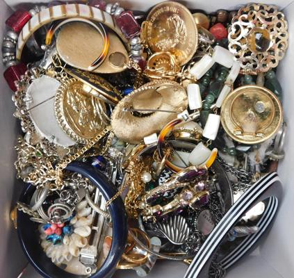 Vintage box of costume jewellery, brooches, bangles, earrings etc...