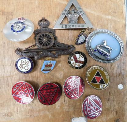 Assortment of badges incl. military