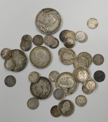 149 grams in pre 1919 silver coins (92.5%), Crown, shillings, 3ds etc...