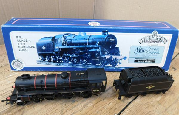 Bachmann BR class 4-6-0 standard loco, black livery, in box