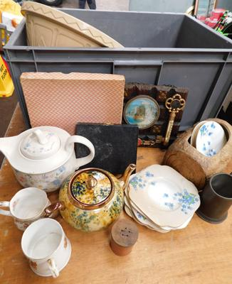 Box of collectables incl. Poole, silver plate