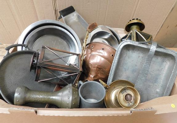 Box of vintage metal ware incl. copper carriage lamps, arts and crafts, Pewter, brass ware etc.