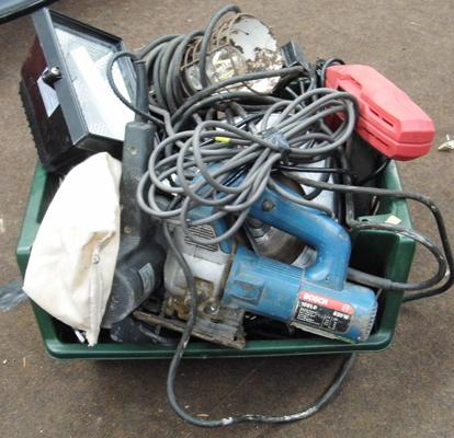 Job lot of tools, incl. saws, sanders, lights - all W/O