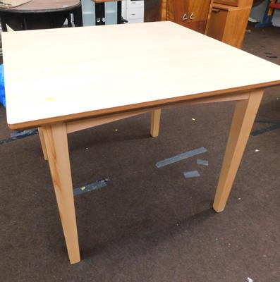 New/unused  dining table - 38 x 38 inches