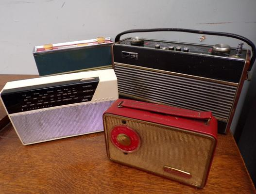 Selection of 4 vintage radios