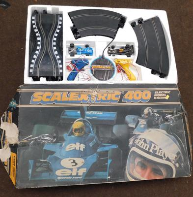 Scalextric 400 with car in box-unchecked