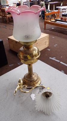 Oil lamp and wall lamp - unchecked