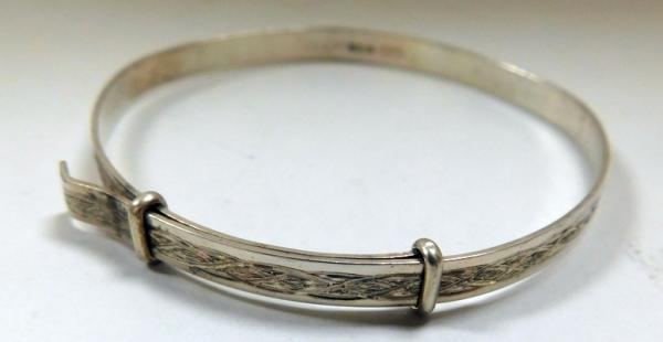 Hallmarkeed silver, childs silver bangle
